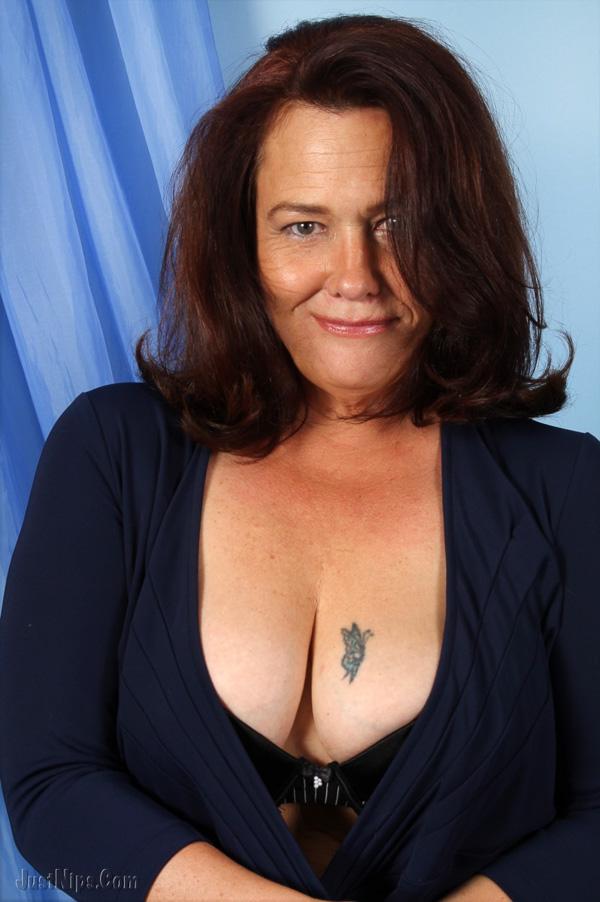kari wuhrer breast reduction
